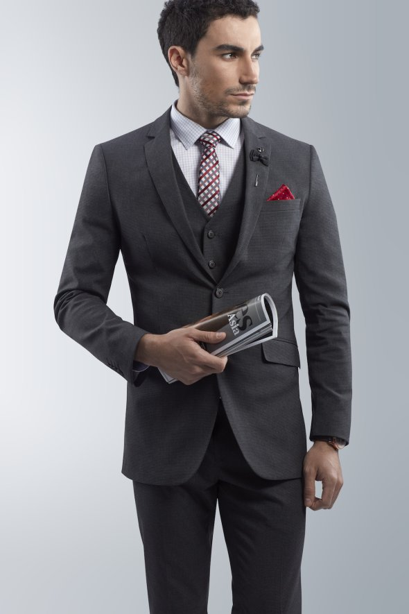 affordable-suits-should-include-the-classic-3-piece